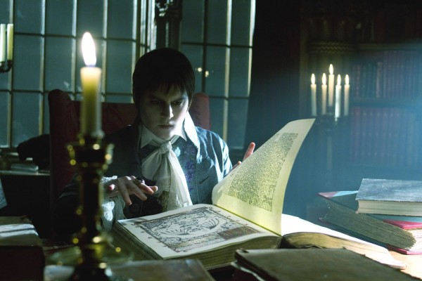 johnny-depp-dark-shadows-movie-image-3