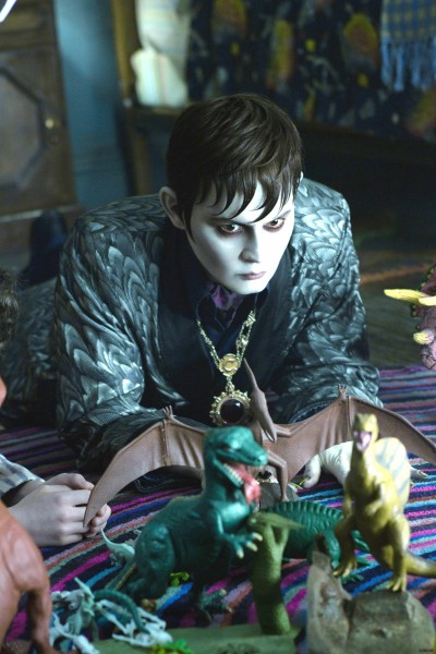 johnny-depp-dark-shadows-movie-image-4