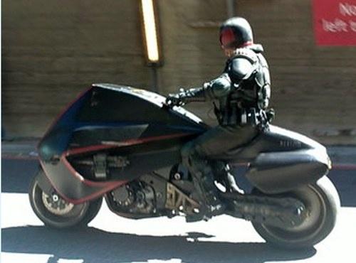 judge-dredd-lawmaster-bike-set-photo