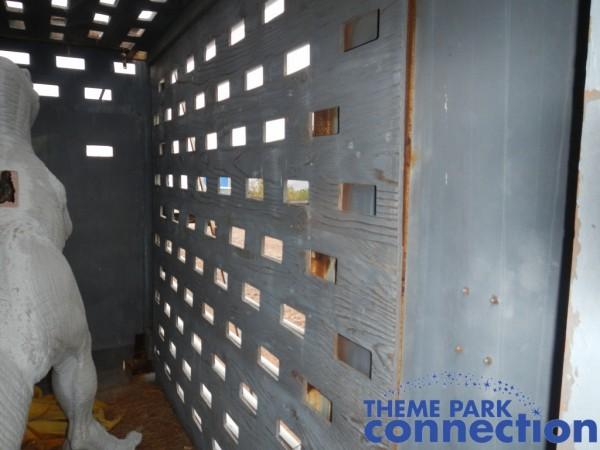 jurassic-park-raptor-cage-7