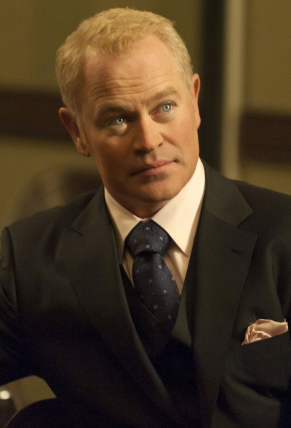 justified-neal-mcdonough