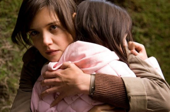 katie-holmes-dont-be-afraid-of-the-dark-image-2