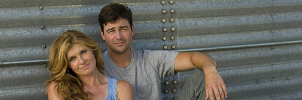 kyle-chandler-connie-britton-slice
