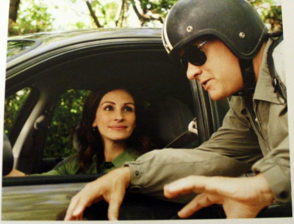 larry_crowne_movie_image_julia_roberts_tom_hanks_01