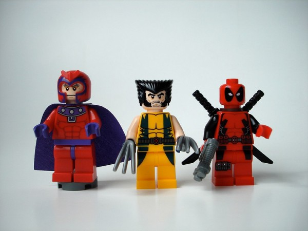 lego-marvel-super-heroes-magneto-wolverine-deadpool