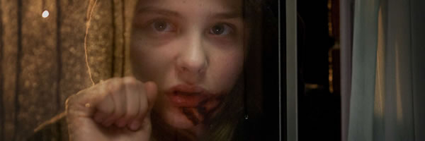 let_me_in_movie_image_chloe_moretz_slice_01