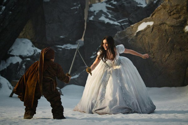 lily-collins-snow-white-movie-image