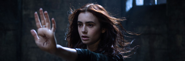 lily-collins-the-mortal-instruments-city-of-bones-slice