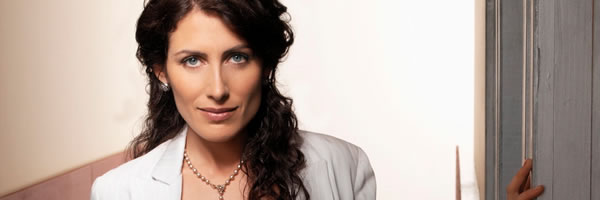 lisa-edelstein-house-cuddy-slice-01