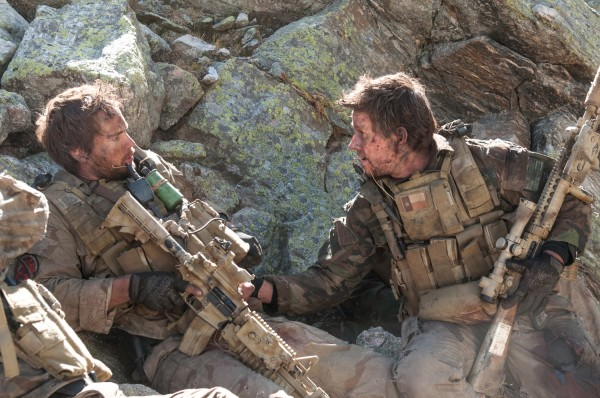 lone-survivor-mark-wahlberg-taylor-kitsch