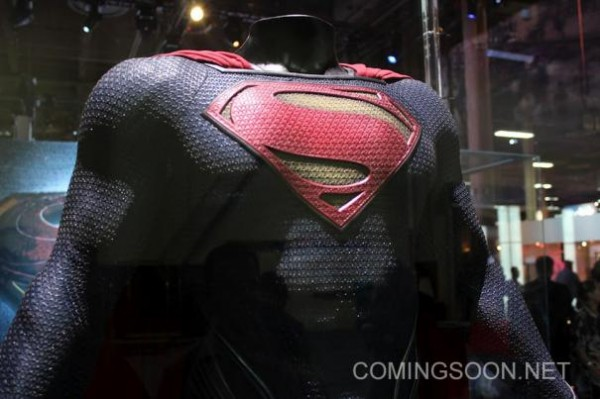 man-of-steel-superman-costume-image-licensing-expo