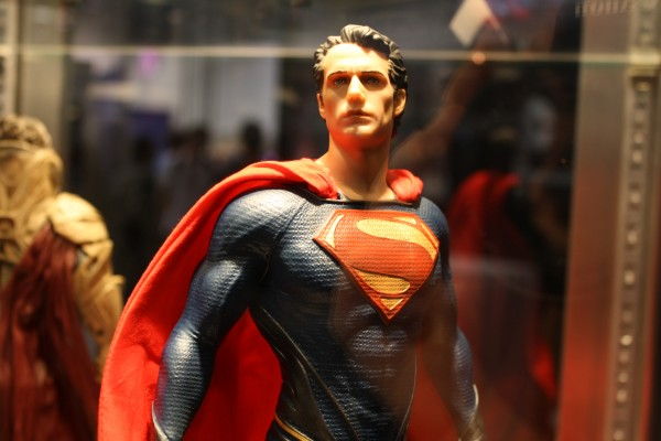 man-of-steel-toys-superman-henry-cavill-2