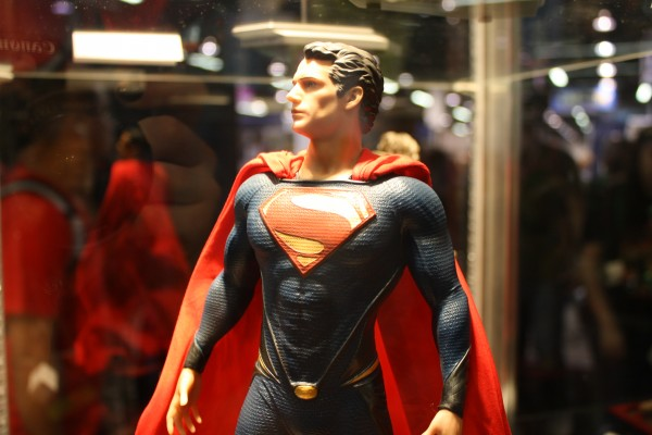 man-of-steel-toys-superman-henry-cavill