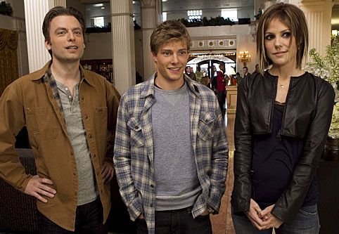 mary-louise-parker-hunter-parrish-justin-kirk-weeds-image-1