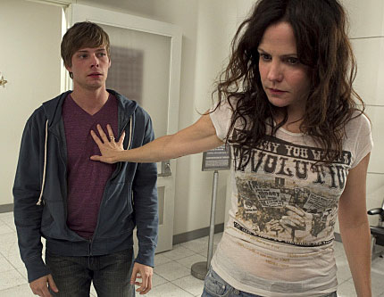 mary-louise-parker-hunter-parrish-weeds-image-1