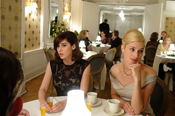 masters-of-sex-mirror-mirror-lizzy-caplan-caitlin-fitzgerald