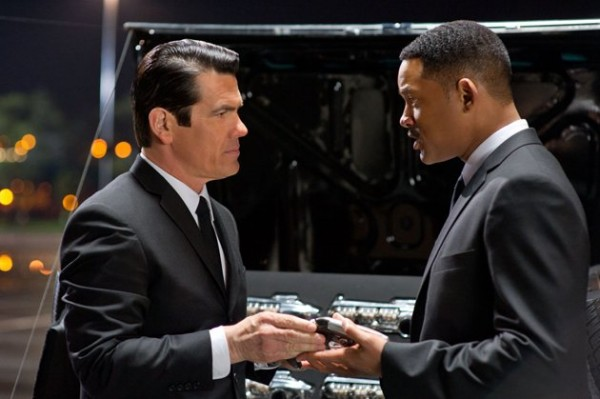 men-in-black-3-movie-image-josh-brolin-will-smith