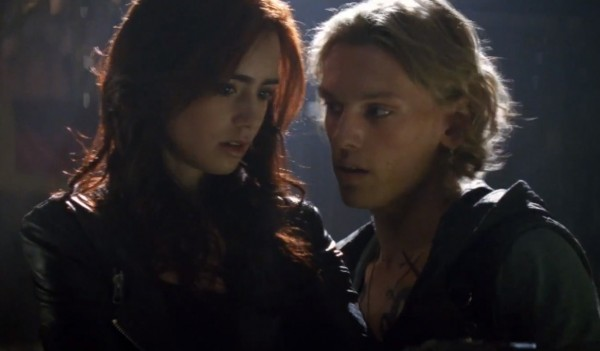 mortal-instruments-city-of-bones-lily-collins-jamie-campbell-bower