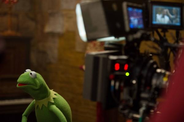 muppets-most-wanted-set-photo-kermit