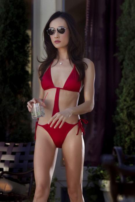 nikita_Maggie_Q_bikini_revealing
