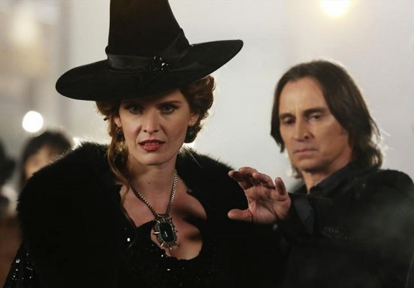 once-upon-a-time-lana-parrilla-rebecca-mader-robert-carlyle