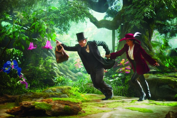 oz-the-great-and-powerful-james-franco-mila-kunis