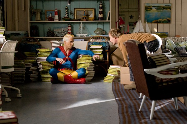 paper-man-movie-image-ryan-reynolds-2