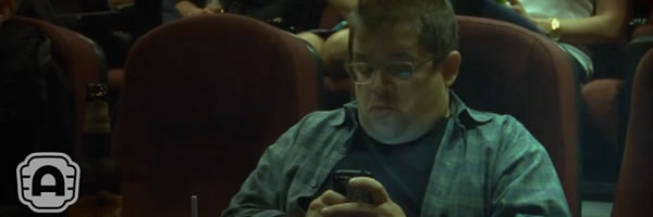 patton-oswalt-texting-alamo-drafthouse-psa-slice