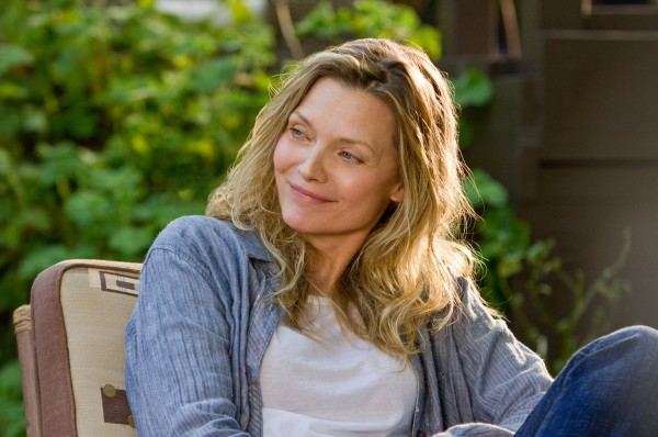 people-like-us-michelle-pfeiffer-image