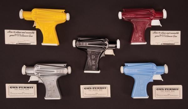 vintage-pez-guns