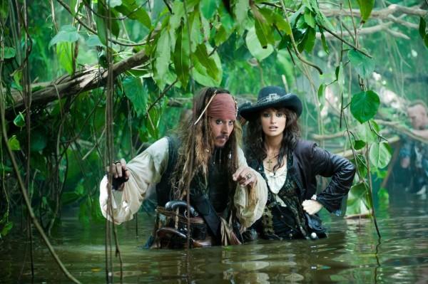pirates-4-movie-image-johnny-depp-penelope-cruz-01