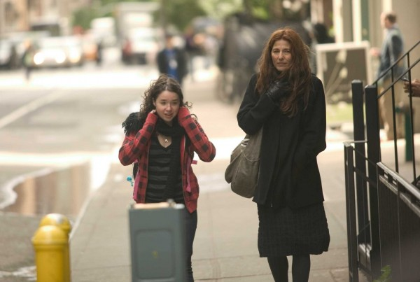 please_give_movie_image_sarah_steele_catherine_keener_01