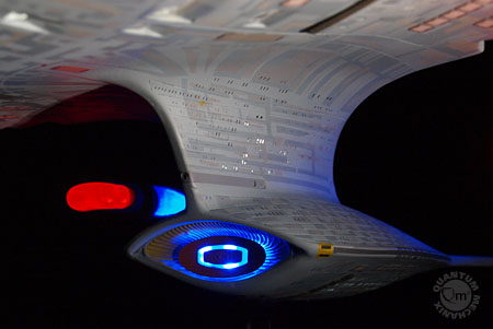 qmx-star-trek-next-generation-enterprise-d