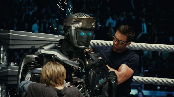 real-steel-movie-image-dakota-goyo-hugh-jackman-01