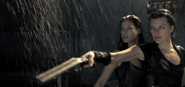 resident-evil-afterlife-movie-image-milla-jovovich-and-ali-larter