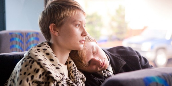 restless-movie-image-mia-wasikowska-henry-hopper-01