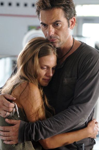 revolution-billy-burke-tracy-spiridakos