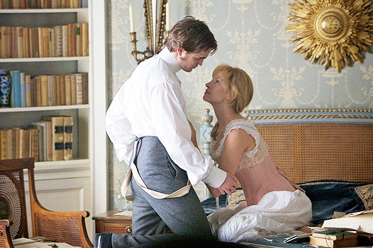 robert-pattinson-uma-thurman-bel-ami-image