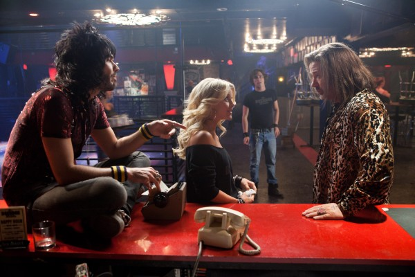 rock-of-ages-alec-baldwin-russell-brand-julianne-hough