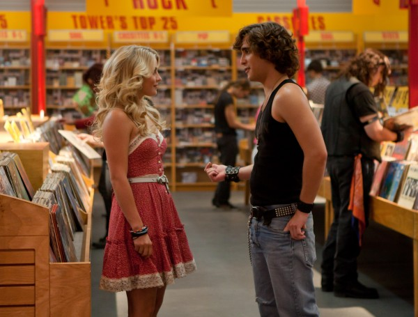 rock-of-ages-movie-image-julianne-hough-diego-bonet
