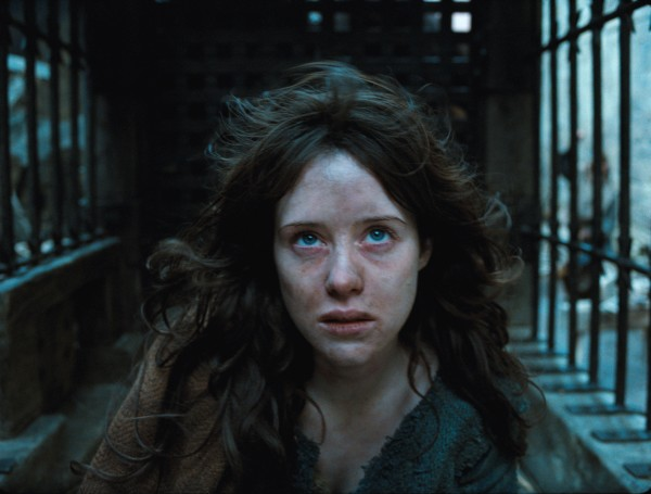 season_of_the_witch_movie_image_claire_foy_01