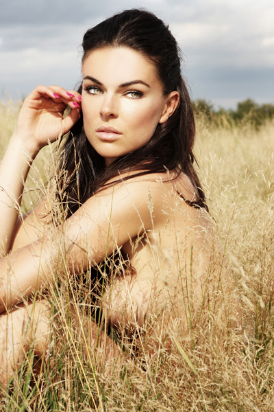 serinda-swan-the-baytown-disco