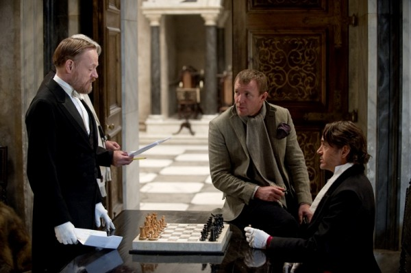 sherlock-holmes-2-harris-ritchie-downey-set-photo-01