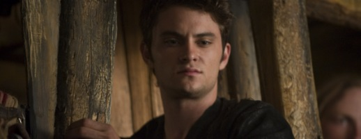 shiloh-fernandez-red-riding-hood-slice
