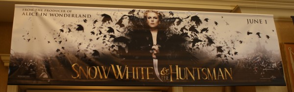 snow-white-and-the-huntsman-banner-poster