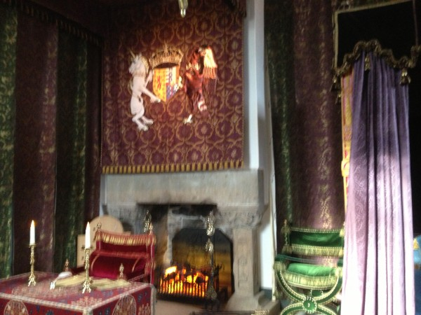 stirling-castle-bedchamber-2
