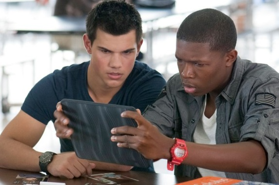 taylor-lautner-denzel-whitaker-abduction-movie-image