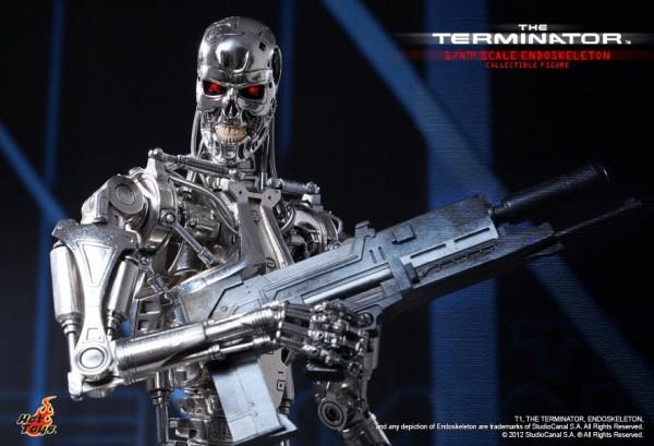 terminator-endoskeleton-hot-toys