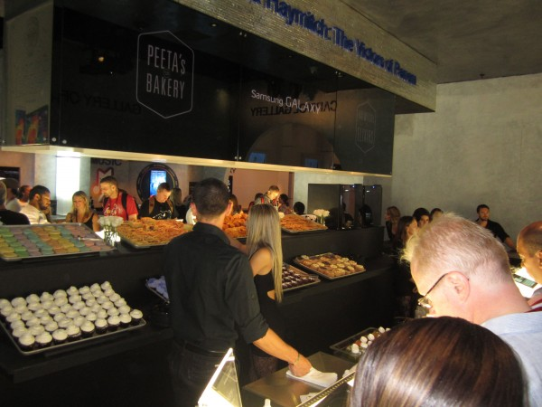 hunger-games-mockingjay-the-capitol-gallery-sdcc-bakery