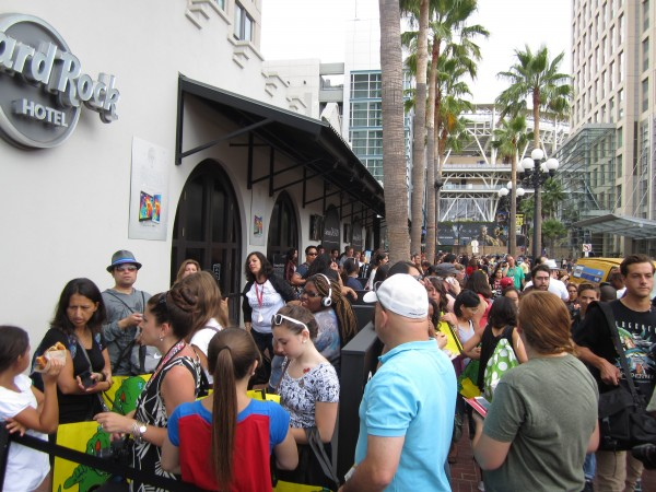hunger-games-mockingjay-the-capitol-gallery-sdcc-line
